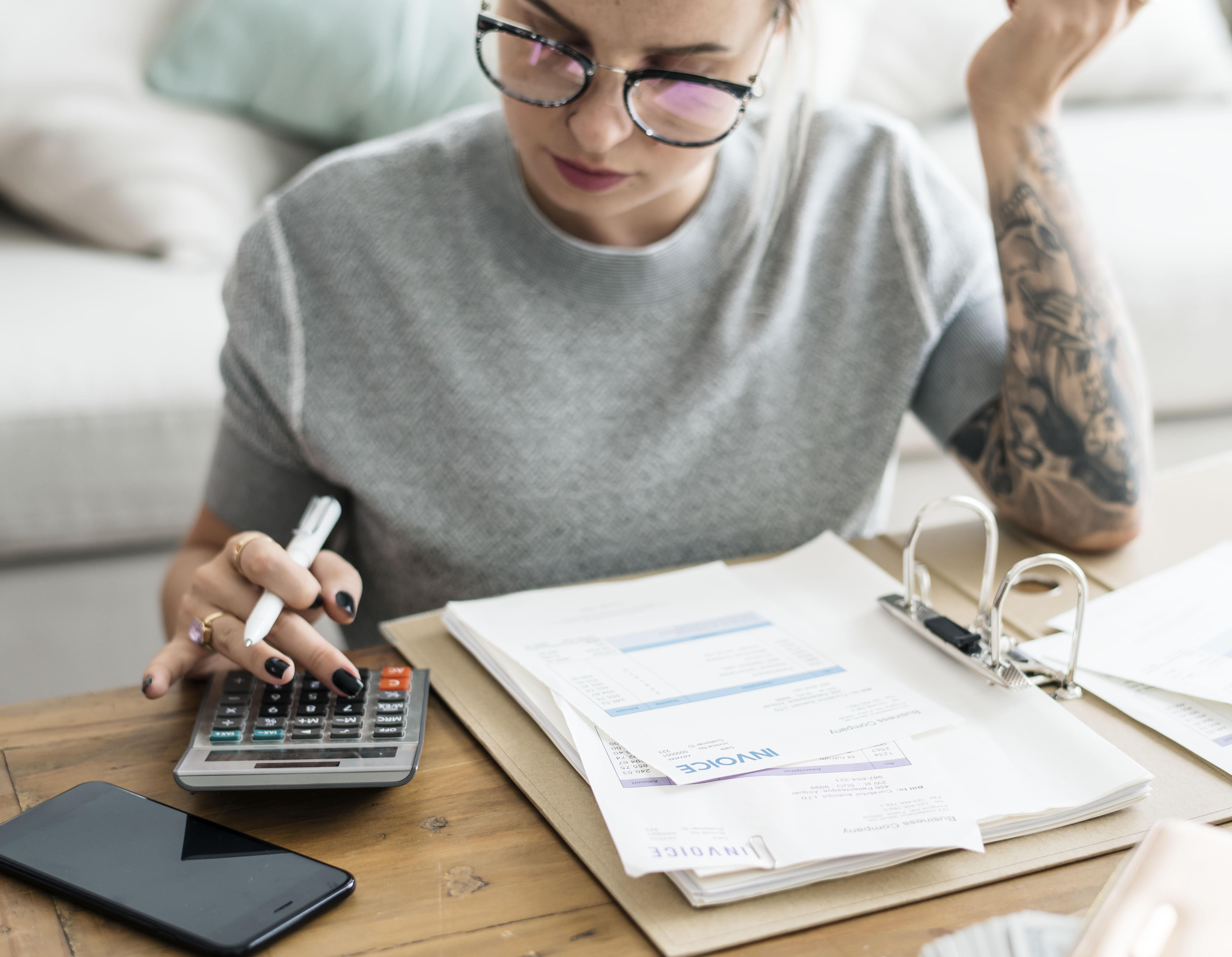 Impuestos Deuda SAT
